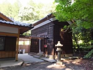 丹生神社、社務所と蔵(多気町丹生)