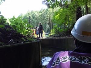 立梅用水ボートくだり、素掘のトンネル出口付近(多気町丹生)