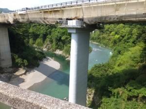 船木橋から望む新船木大橋、大内山川と宮川の合流点