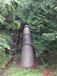 長発電所の導水管(大台町長ヶ)