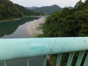 野原橋(宮川)から望む野原の渡し跡