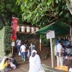 赤崎祭、御神杉の授与(赤崎神社)