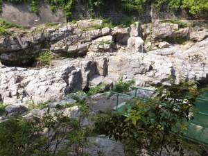 大滝峡 おんべまつり祭場(大内山川)