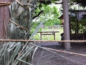 夏越の大祓のために準備された茅の輪(船江上社)