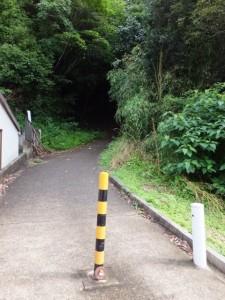 阿坂城(白米城)跡への登り口(浄眼寺付近)
