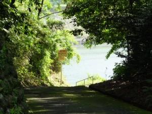 久具都比賣神社付近から上久具の渡し跡(宮川)方向を望む