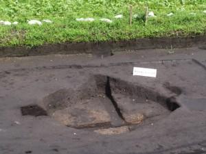 野添大辻遺跡(第3次)調査区、1区の焼土が多く入った土坑