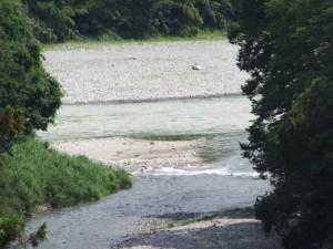 野添橋から望む藤川と宮川の合流点(度会郡大紀町)