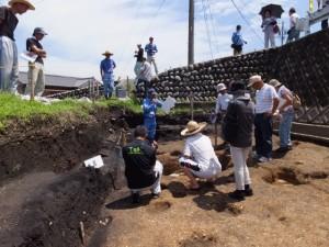 野添大辻遺跡(第3次)発掘調査 現地説明会、1区の石組井戸付近