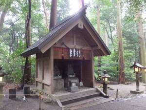 参道脇の恵比寿、大黒像(椿大神社)