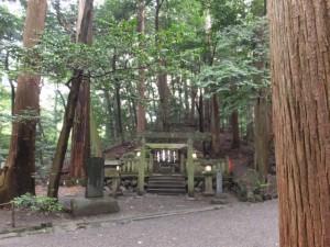 高山土公神陵(椿大神社)