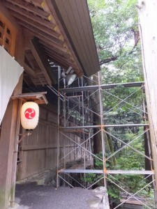 拝殿正面右側(椿大神社)