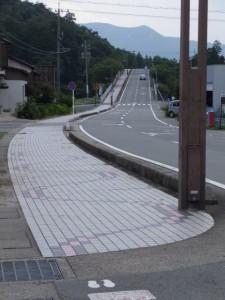 御塩道から望む光の街への道路(国道42号荘1交差点〜汐合橋)