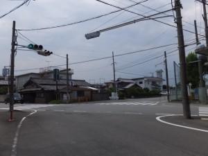 御塩道(浜郷小学校前の交差点)