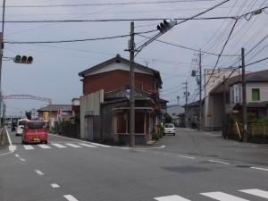 御塩道(浜郷小学校前の交差点にて振り返って)