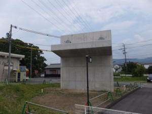 橘神社付近、工事中の水管橋(伊勢市黒瀬町)