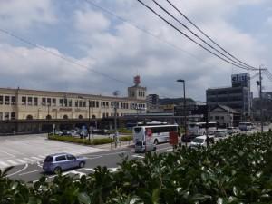 伊勢市観光文化会館から望む宇治山田駅