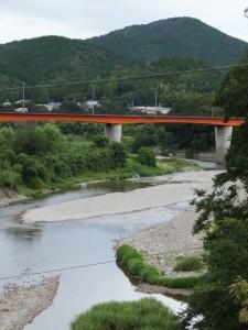 飛瀬浦橋から望む内城田大橋および宮川と一之瀬川の合流点