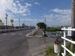 寺家地下道 管理番号11、伊勢-2(9482)付近