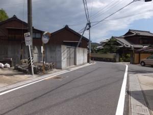 道路改修記念碑(河芸町上野)、伊勢-2(14786)付近
