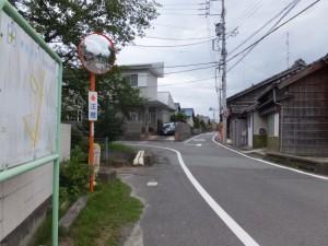 道幅が狭くなる、伊勢-3(4115)