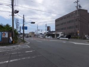 伊勢-3(4508)の先の交差点から国道23号方向を望む