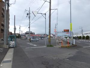 SANCO 白塚口 バスのりば付近、伊勢-3(4845)