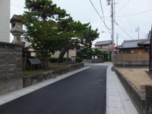 名残松と栗真町屋の常夜燈・道標(巡礼道との分岐)、伊勢-3(5356)