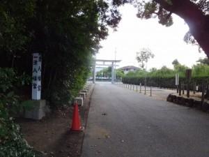 結城神社の参道から津八幡宮へ