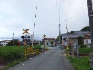 JR 藤枝踏切、伊勢-3(13328)