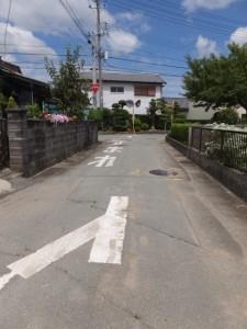 県道37号 湯田3交差点から美和ロック方向へ、最初のY字路