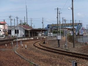 JR参宮線 掛橋踏切から望む宮川駅
