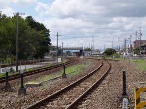 JR参宮線 離宮道踏切から望む宮川駅