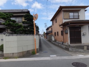 SANCO 離宮前 バスのりば付近から宮川方向への途中、小俣神社へ