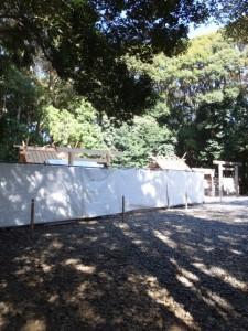 新御敷地にて御造営が進められる佐美長神社、現在の社殿