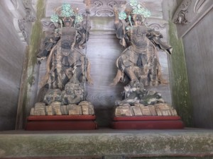 青峯山正福寺 山門(大門)の四天王立像