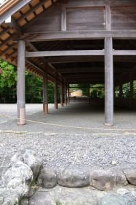 北御門参道から望む大庭の五丈殿(外宮)