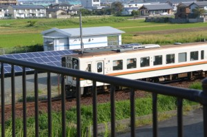 国道23号から望むJR参宮線