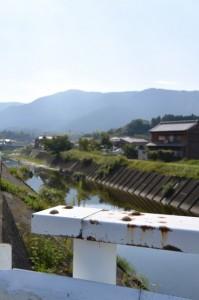 しんななはらはし(朝熊川)から遠望する朝熊ヶ岳