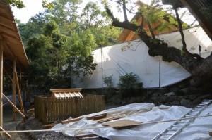 遷御の儀に向けて設営された雨儀廊からの風景(月讀宮)
