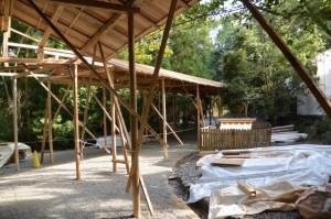 遷御の儀に向けて設営された雨儀廊(月讀宮)