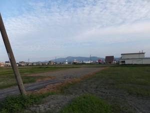 自宅付近から望む朝熊ヶ岳から宇治岳道が伝う稜線