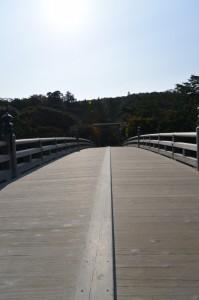 宇治橋にて東詰鳥居を望む