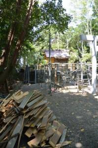拝殿が解体された御造営中の橘神社(伊勢市黒瀬町)