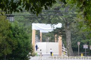 饗土橋姫神社付近から望む宇治橋の鳥居