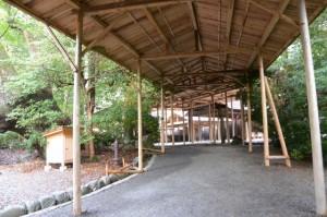 北側の御敷地への参道(月讀宮)