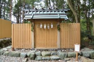 仮遷座中の上田神社(伊勢市中村町)