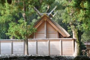外宮北御門参道から望む御饌殿