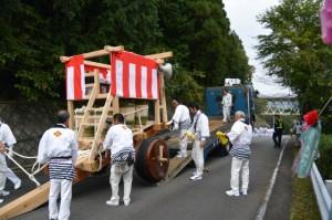瀧原宮 お白石持行事、トレーラーで運ばれる奉曳車