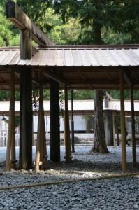遷御に向けて雨儀廊が準備された瀧原竝宮、瀧原宮